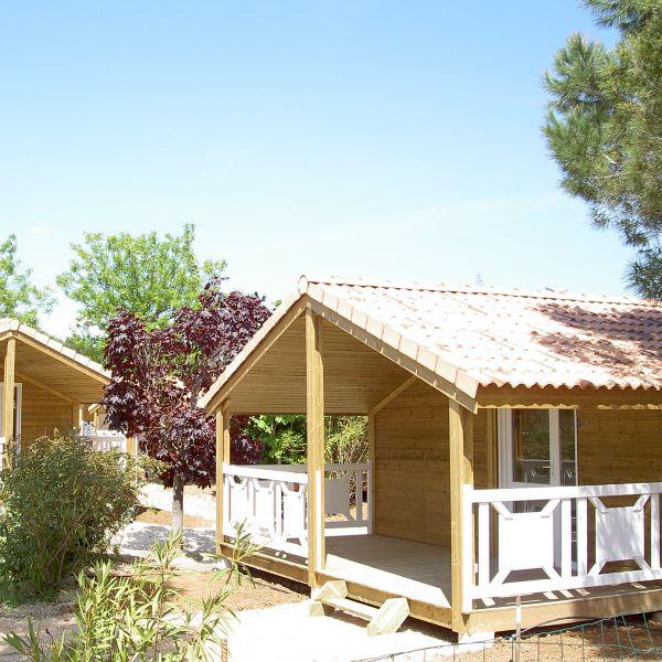 Ruoms Location De Chalets En Ardèche à Ruoms. Chalets Tout Confort Avec  Piscine Sur Domaine Viticole En Sud Ardèche. U003e Voir Le Site Du Gite